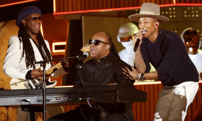 Stevie Wonder se sum� a Daft Punk, Nile Rodgers y Pharrell Williams para plasmar un Get Lucky �pico