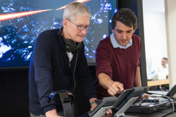 Apple VS DJing: El búnker de Algoriddim HQ recibe la visita de Tim Cook