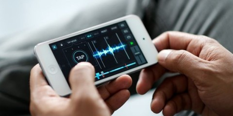 Native Instruments Traktor DJ App para iPhone